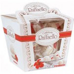 Коробка с конфетами Raffaello